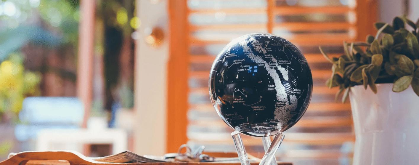 logo MOVA Globe