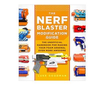 une couverture de livre sur les pistolets nerf