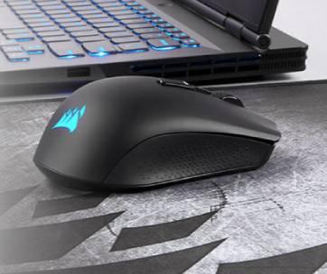 une souris d'ordinateur noire