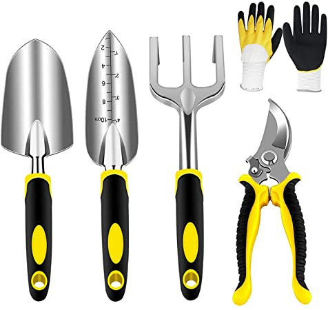 outils de jardinage jaunes