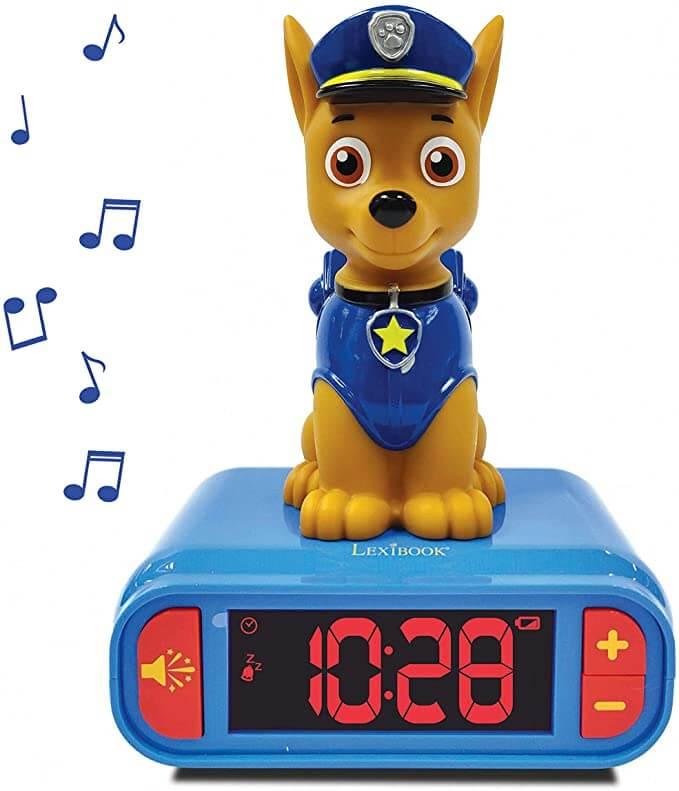 réveil bleu avec un chien policier