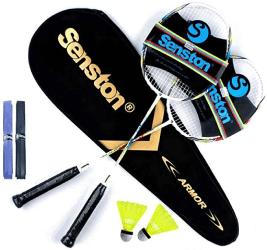 et de raquettes de badminton